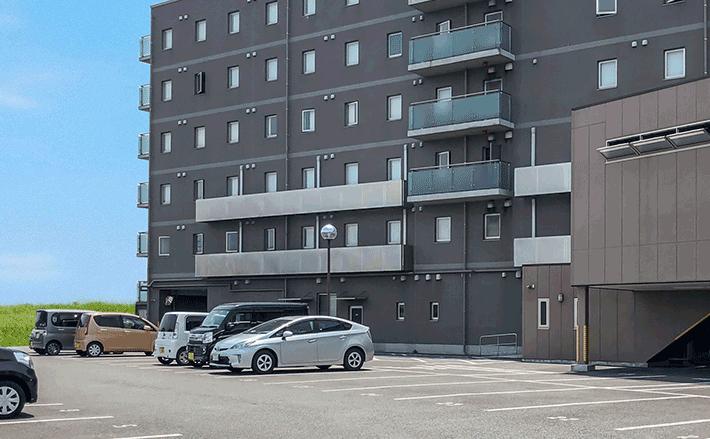 ホテル敷地内駐車場